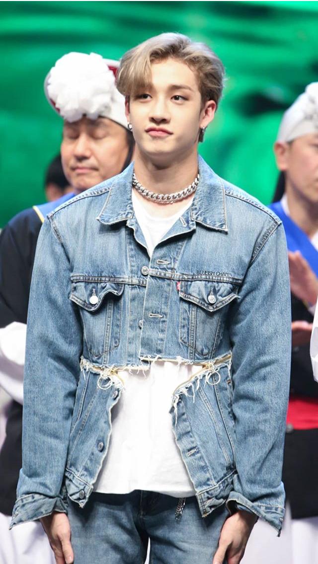 Pin By Xyz On B E S T B O Y B A N G C H A N Korean Idol Lee Know Navy Hair
