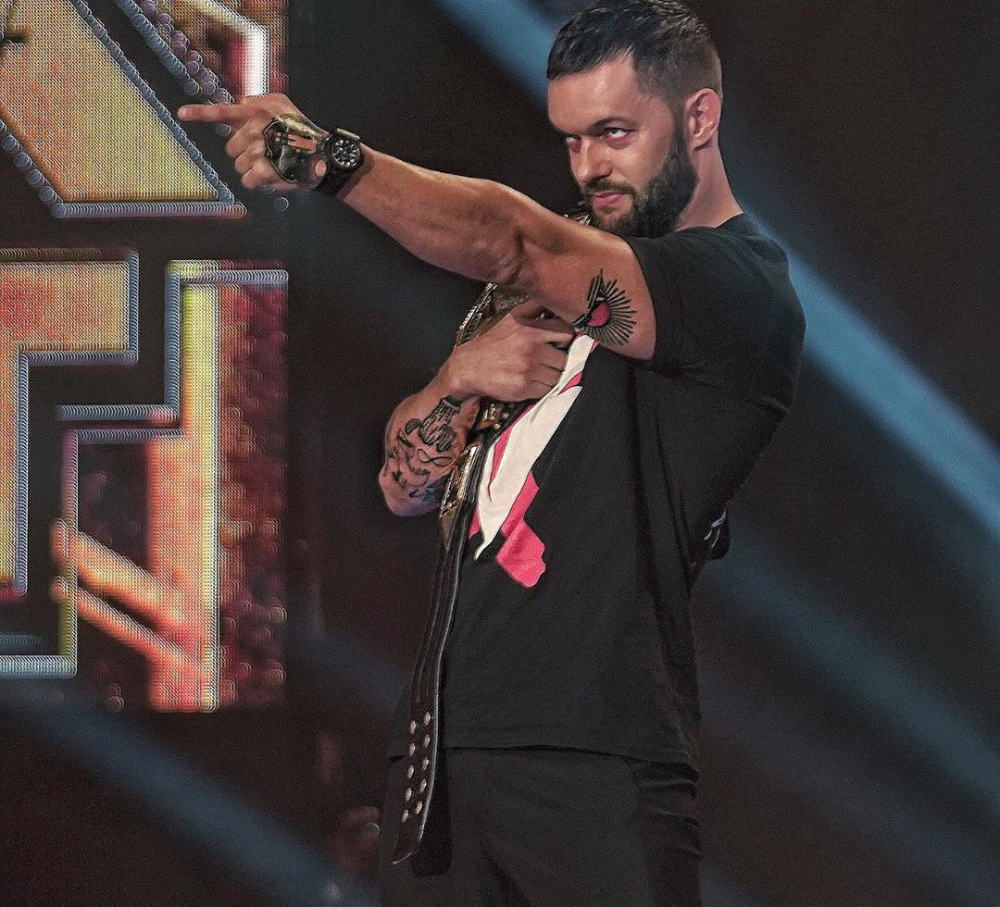 Wwe No Instagram Korcombat Has Done It He S Going To Face Finnbalor At Nxttakeover For The Nxtchampionship Finn Balor Balor Club Wrestling Videos