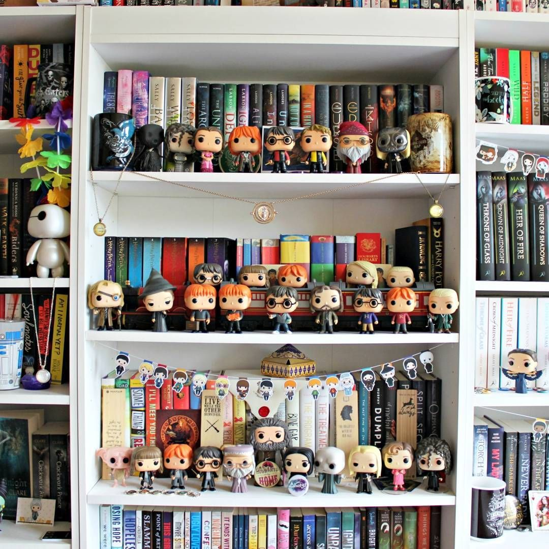 Harry potter bookshelf potterhead forever n rdigt pinterest harry potter livre et id e - Deco chambre harry potter ...