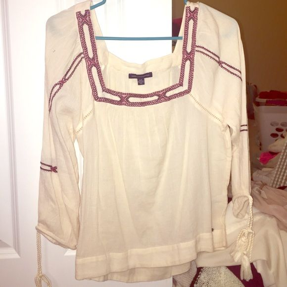 American Eagle Blouse Cream and embroidered blouse top from American Eagle Outfitters. Size Small. Super cute! Brand new condition. American Eagle Outfitters Tops Blouses