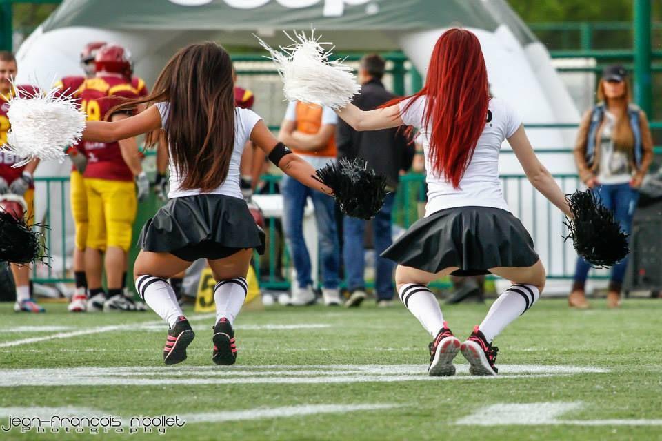 Cheerleaders Cheerleading, Running, Sports
