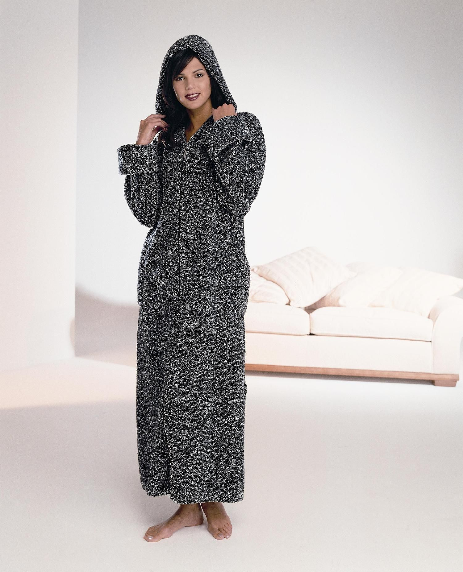 Chenille dressing gowns | Candlewick dressing gowns | Kinnaird ...