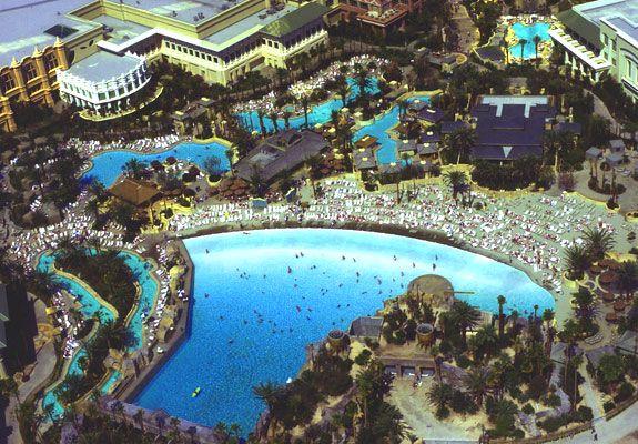 The best las vegas swimming pools spot cool stuff travel daylight beach club pinterest for Best swimming pools in las vegas hotels