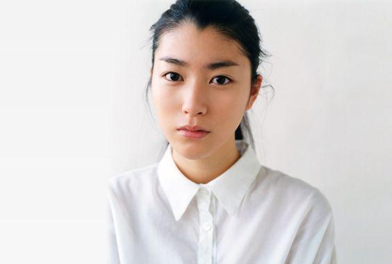 成海 璃子 | KEN-ON Group Official Website