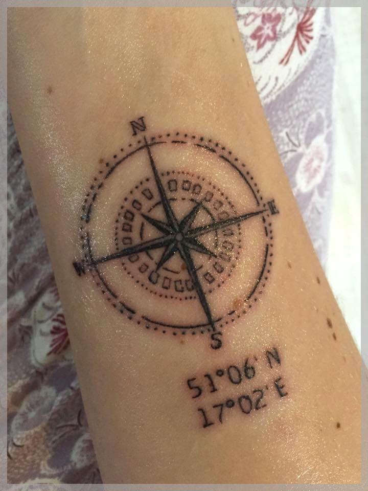 Kinga Oj Kinga Ojrzynska W Redberry Tattoo Studio Wroclaw Tattoo Inked Ink Studio Wroclaw Warszawa Tatuaz Gdansk Tattoo Artists Compass Tattoo Tattoos