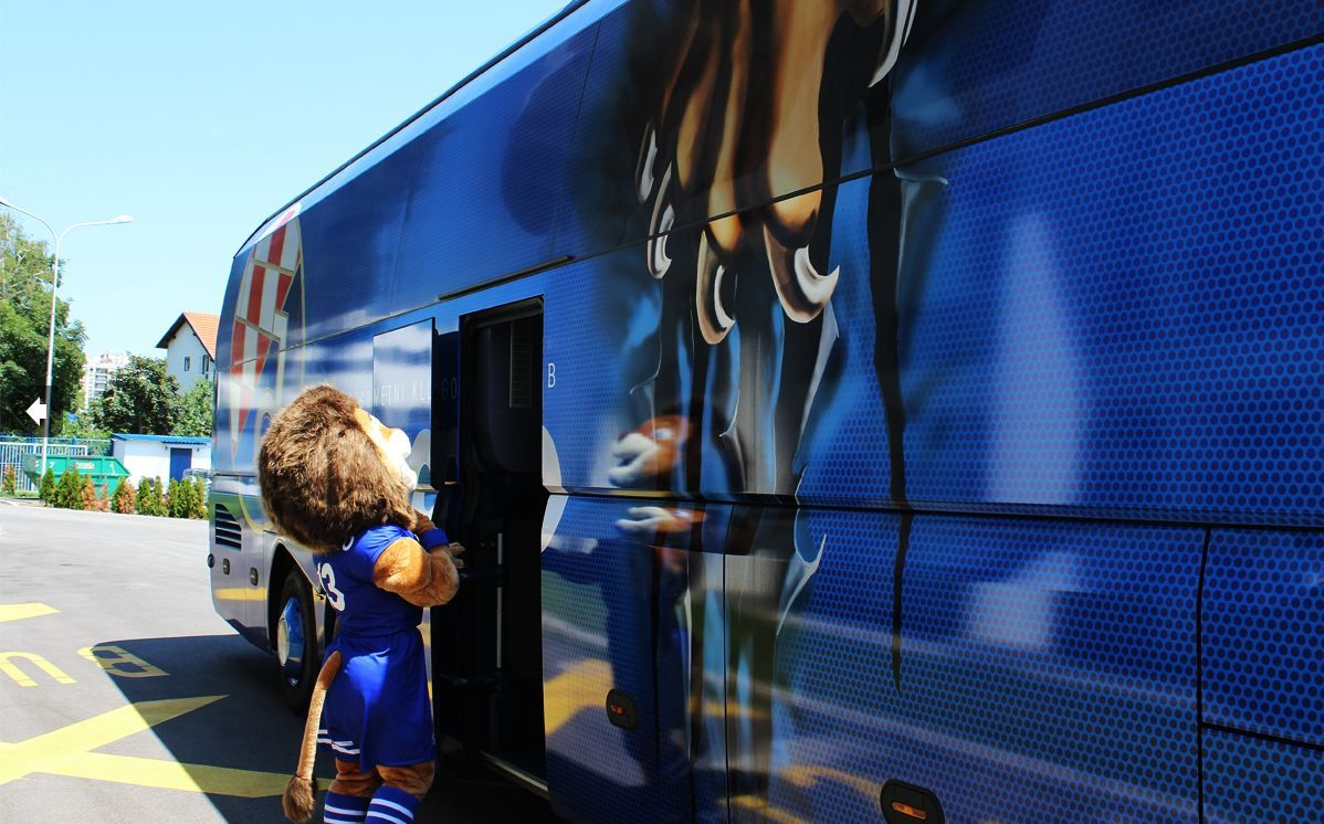 Gnk Dinamo Zagreb S Incredible Team Bus Credits To Belina Krapinske Toplice Great Job Products Used Avery Dennison Mpi 1900 With Overlaminate Mpi 2000 Wi