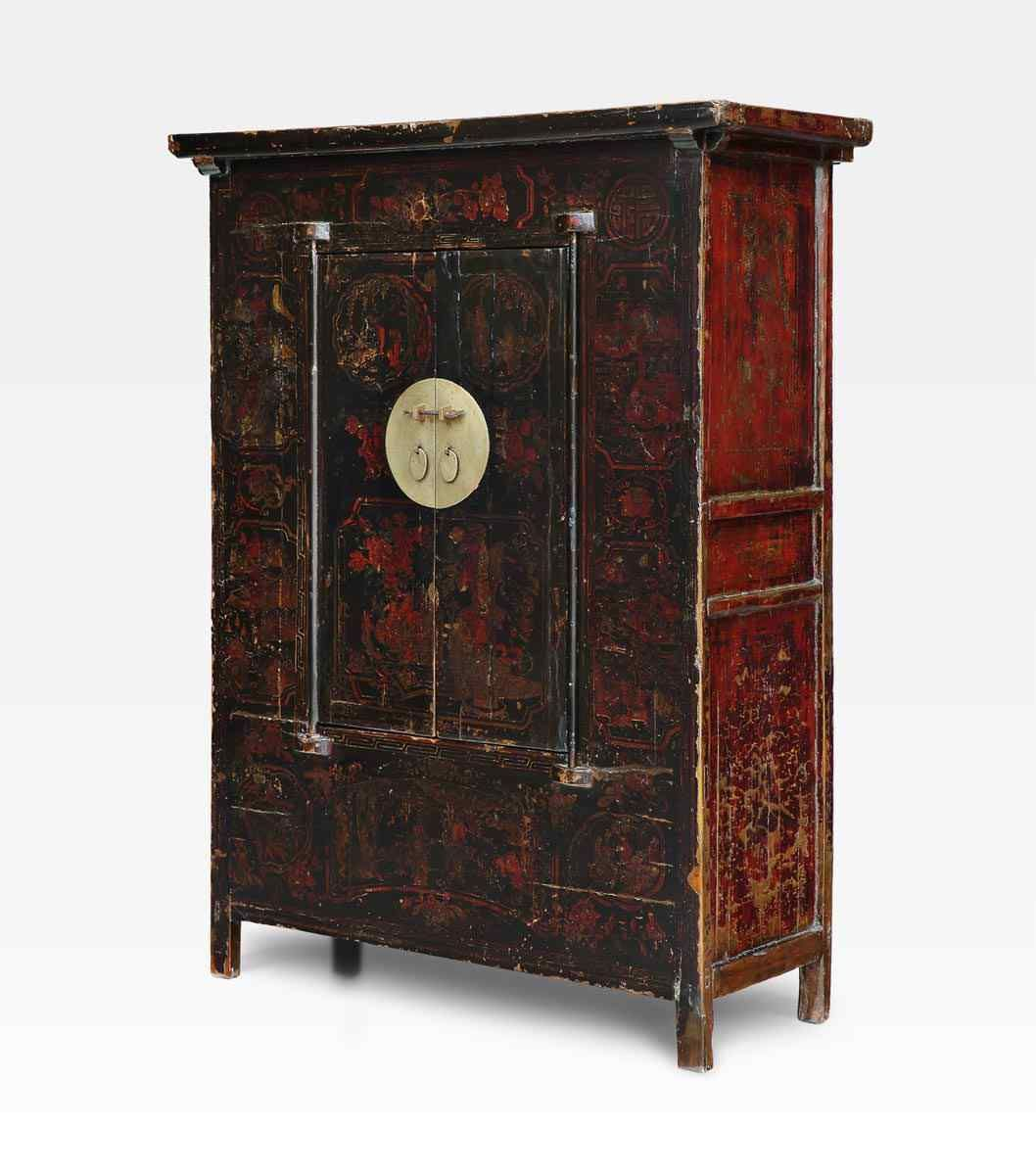 Armadio cinese dipinto, legno di olmo, Dinastia Qing. Available, info: curto.tonio@gmail.com