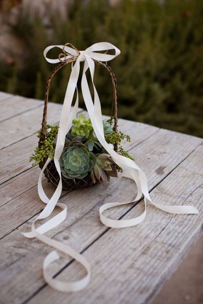 80f6c2d3e12 Check out these 25 alternative ideas for your flower girl that will make  your special day even more special.