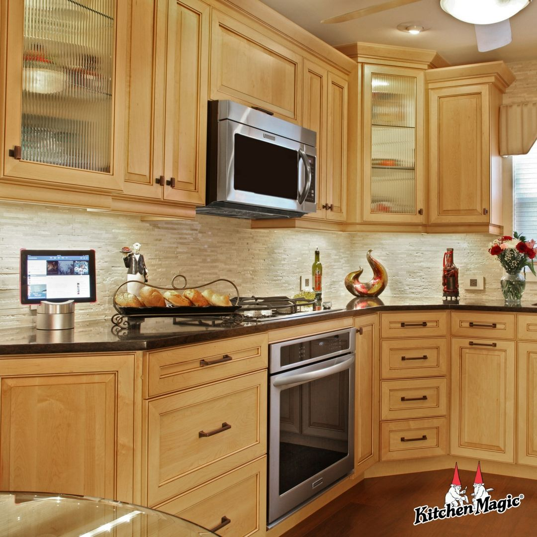 Not Your Momma S Maple Maple Kitchens For Modern Times Beautiful Kitchen Cabinets Custom Kitchen Cabinets Kitchen Cabinet Styles
