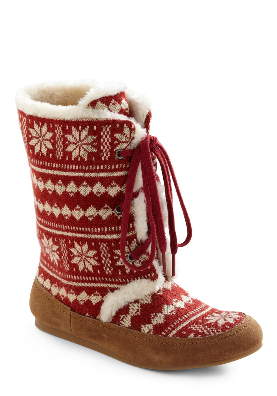 Hahaha The Norwegian In Me Loves This Boots Vintage Boots Slippers
