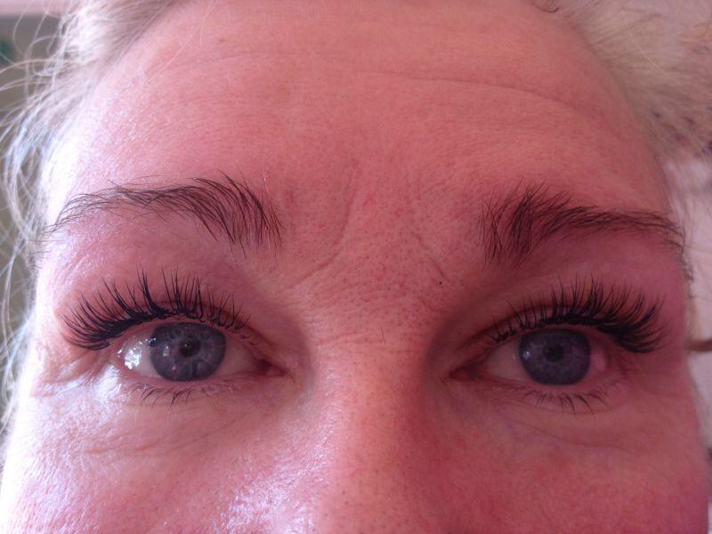Short looking lash extensions.   Natural mascara ...