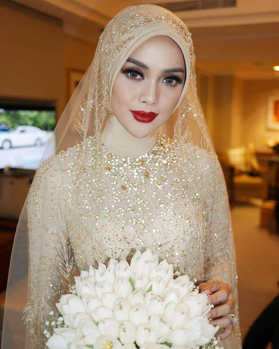 Makeup wedding hijab dress