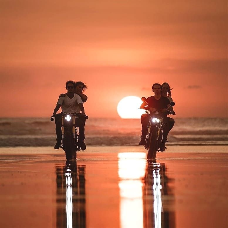 Lets Ride Off Into The Su Set A Beautiful Bali Sunset What An