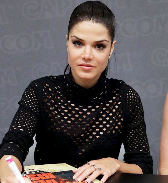 Marie Avgeropoulos At Nerdhq For Dead Rising Endgame Hq Marie