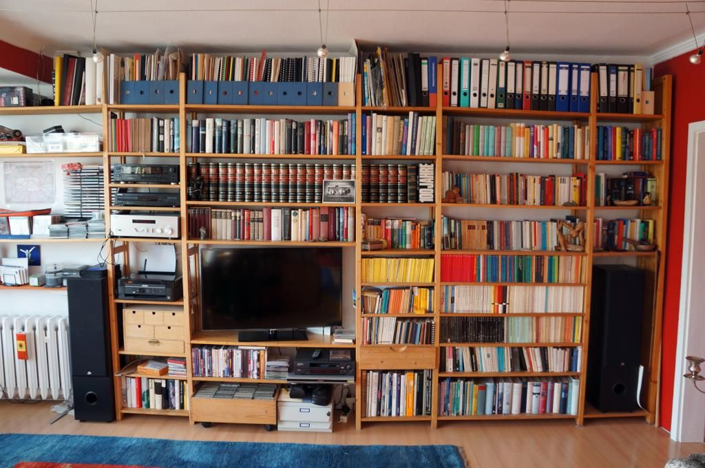 Regal Wohnzimmer ~ Perfekt sortierte bücherwand. #regal #bücherregal #bücherwand