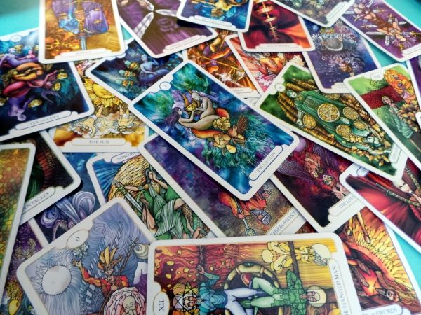 Explore the 22 Majors - resource-rich tarot websites you should bookmark today.