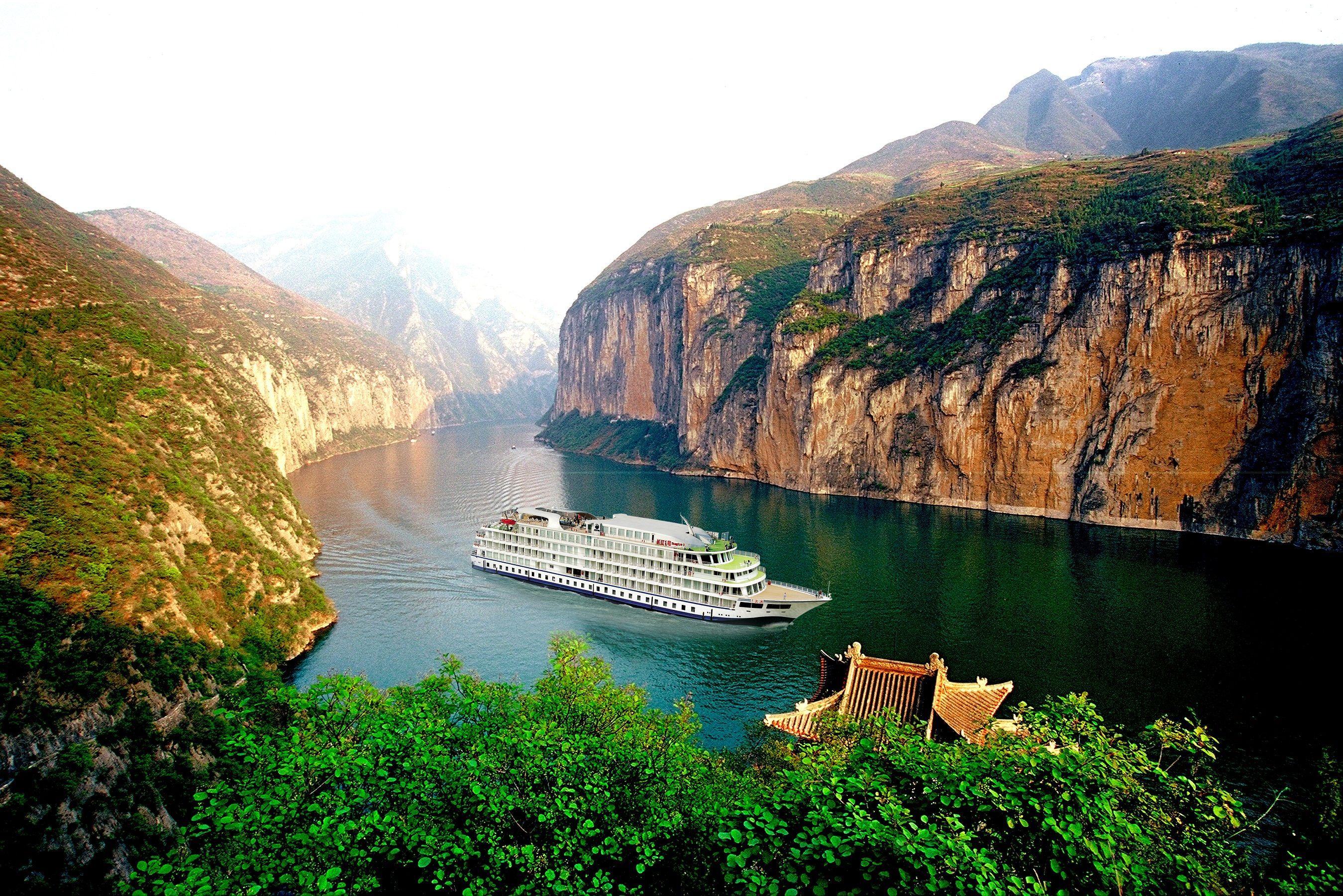 Yangtze ist immer ein Besuch wert! Auch nach der Stauung des Flusses bleibt eine Yangtze Kreuzfahrt durch die drei Schluchten ein besonders Erlebnis!