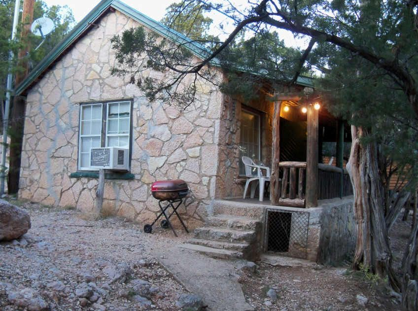 Great Little Secluded Cabin Just Outside Turner Falls, Oklahoma Overlooking  Crystal Clear Honey Creek.