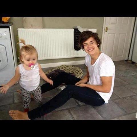 Aww loookk at the baby