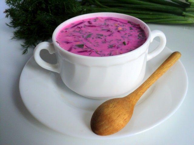 Литовский холодный борщ: пошаговый рецепт приготовления вкусного борща для летнего зноя. В составе блюда нет картофеля, капусты и томата, зато есть свекла и кефир.
