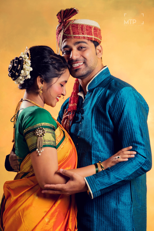Wedding Photography Maharashtrian Wedding Photos Indoor Wedding Photos Couple Wedding Couple Poses Wedding Couple Poses Photography Couples Wedding Attire