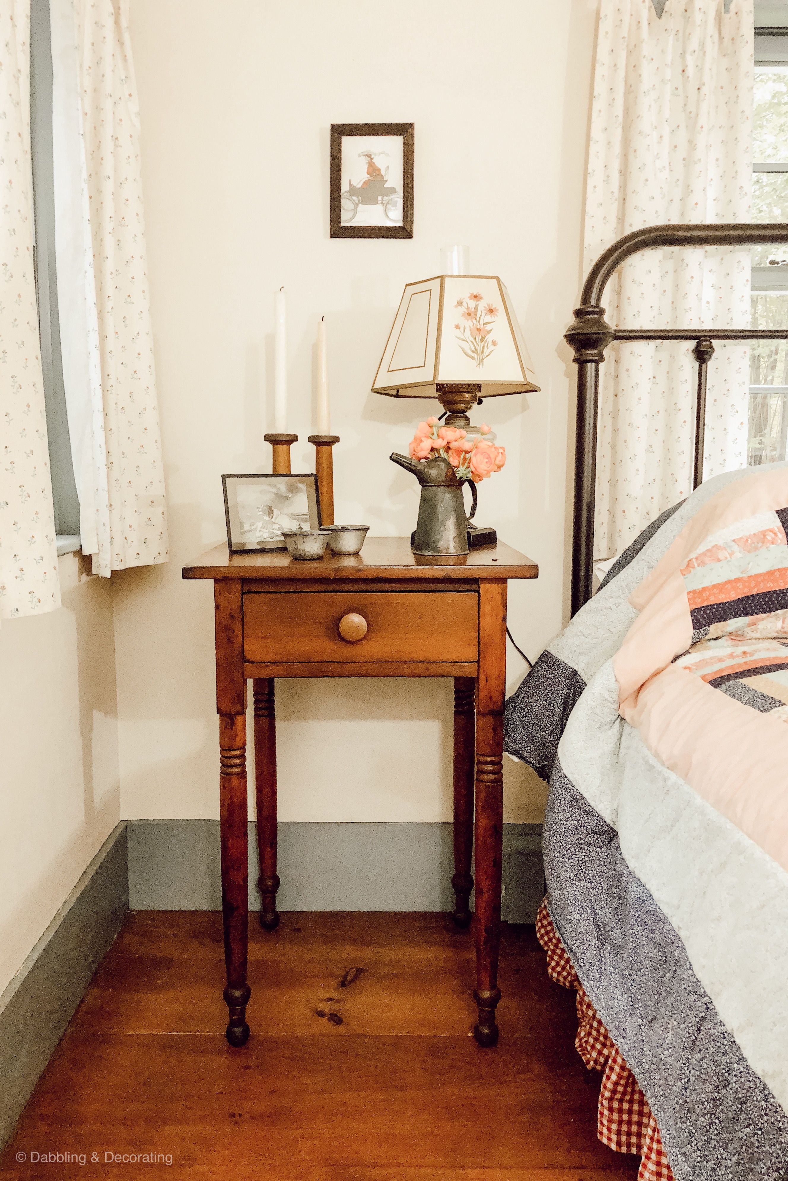 Guest Bedroom Ideas Created With Antique Family Keepsakes Guest Bedrooms Guest Bedroom Antique Decor Bedroom