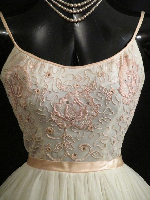 Vintage 1950's 50s White Pink Embroidered by VintageVortex on Etsy