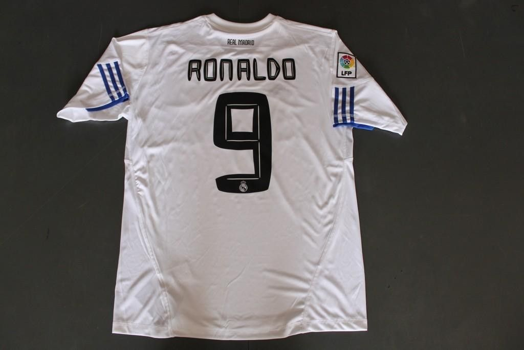 factory authentic a5d14 70cb8 RONALDO 9 Real Madrid 10/11 home white football jersey and ...