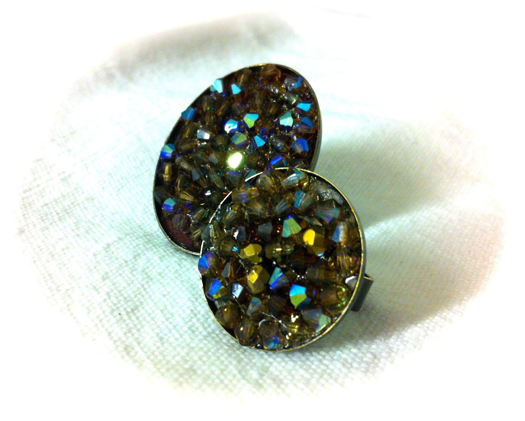 #jewelry #anillo #swarosvkis #handmade #bijoux #accesories Anillo mod. MTR201403 Cristales tupis marrones con destellos azules montados en base de anillo oval (30x40mm), con anilla regulable a todas las medidas 15€