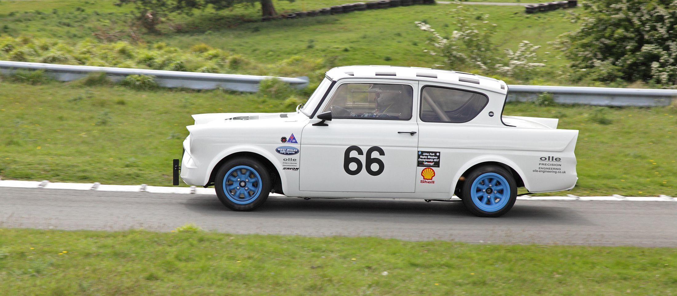 Ford Anglia race car. Thought this was just so cool. & Ford Anglia race car. Thought this was just so cool. | Loton Park ... markmcfarlin.com