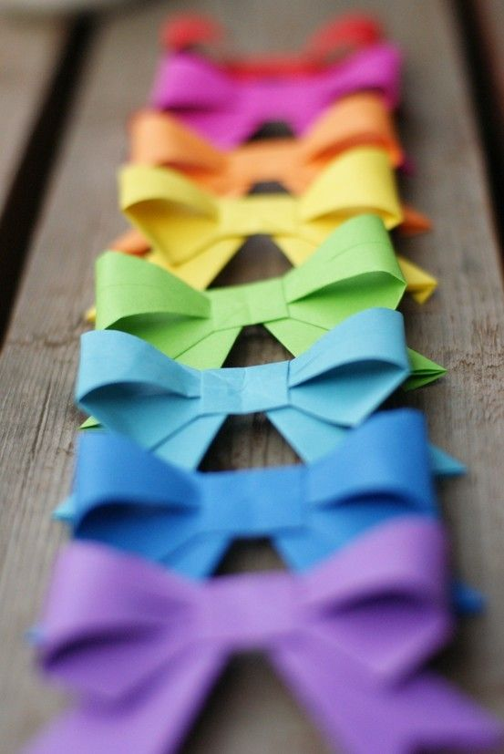 Oragami bows - must learn how.  Great for parties or hair! itzdawns
