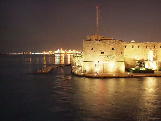 CASTELLO ARAGONESE TARANTO | Castello e Serenità