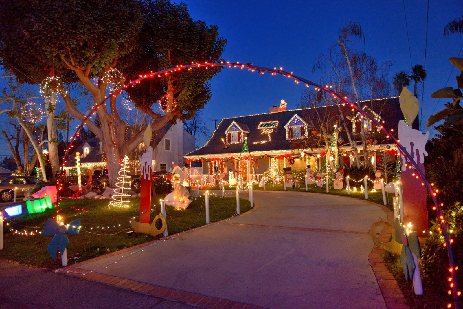 the 20 best christmas towns in america