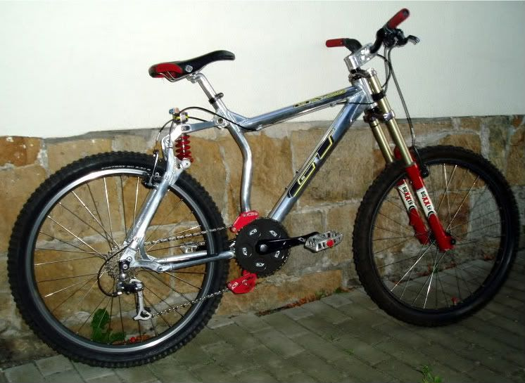this is the 1997 gt lts bike it s gt s next full suspension bike
