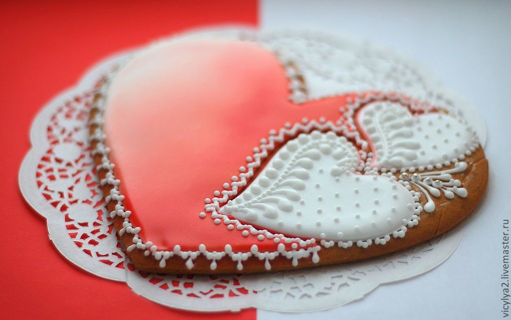 """Купить """"Дела сердечные"""" пряник-сердце 20 см. - ярко-красный, бело-красный, сердце"""