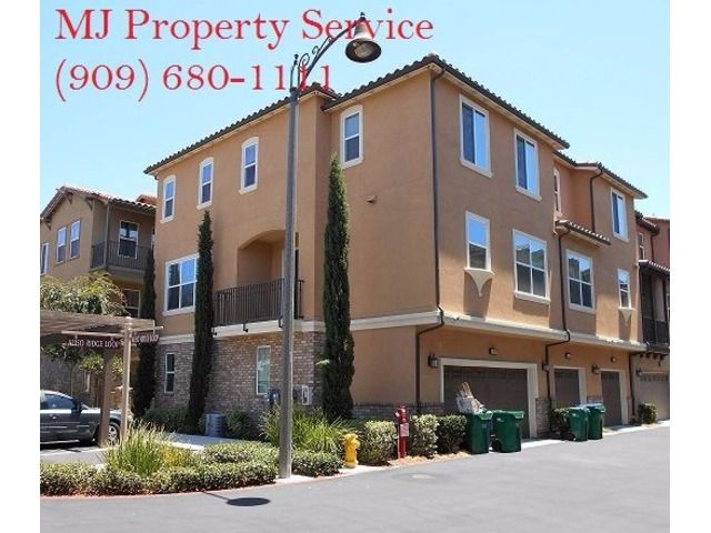 Gorgeous 4 Bedroom Townhouse In Mission Viejo Townhouse Real Estate Houses Apartments For Rent