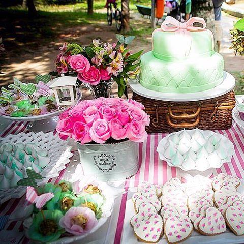 Criamos festas exclusivas e originais, valorizando os pequenos detalhes que fazem a diferença. Nesse evento usamos o rosa e verde claros como a cor base pra nossa criação. #elefanteamora #festainfantil #love #photooftheday #beautiful #encontrandoideias #decor #instapic #diy #partyplanning