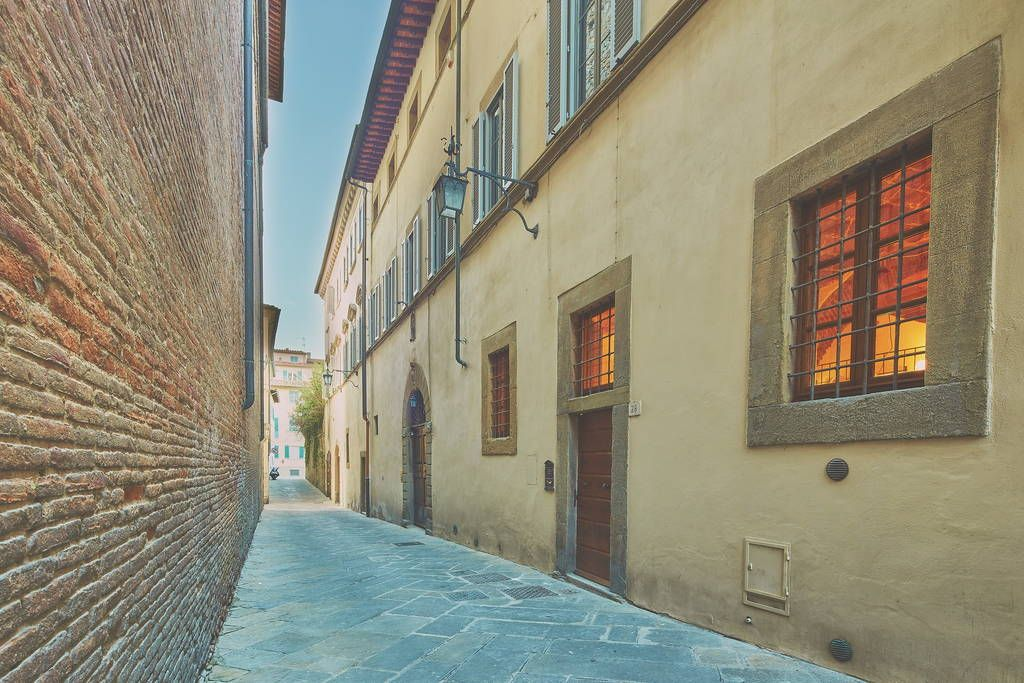 Check out this awesome listing on Airbnb: Splendido Loft su Palazzo del 1200 - Lofts for Rent in Arezzo