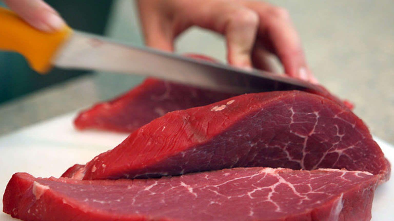 Rindfleisch frisch geschnitten: Eine US-Amerikanerin wurde von einer Veganerin zur Fleisch-Liebhaberin. #veganerin