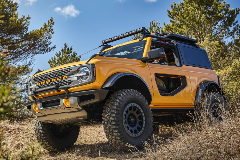 The 2021 Ford Bronco S Off Road Features Make It An Actual Crime To Stay On Pavement The Drive In 2020 Ford Bronco Bronco Jeep Wrangler Doors