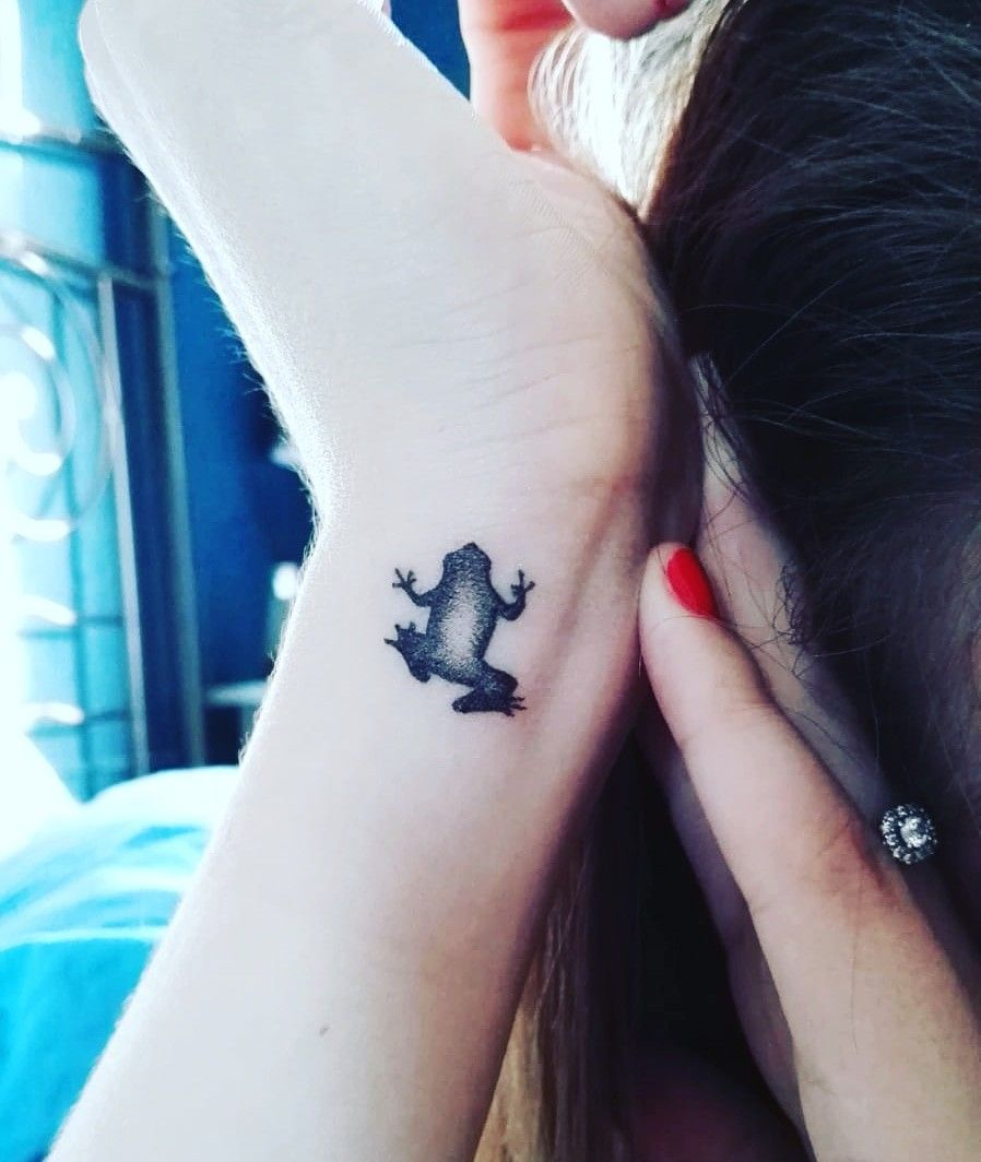 Small Frog Tattoo Frog Tattoos Meaningful Tattoos For Women Tattoos For Women Small