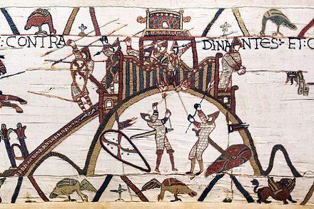 Motte, Bayeux teppistry