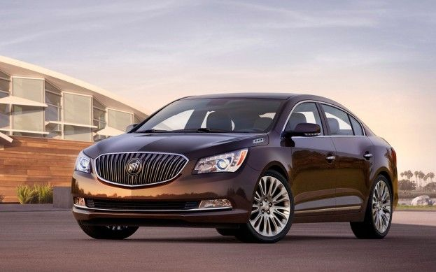 Refreshed 2014 Buick Lacrosse Has Enclave Like Face 2013 New York Buick Lacrosse 2017 Buick Lacrosse Buick Cars
