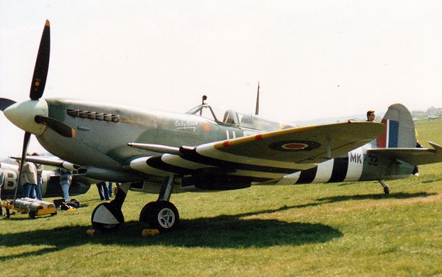 Spitfire Mk.IX, at the Spitfire 60th Anniversary Airshow, Duxford, 1996