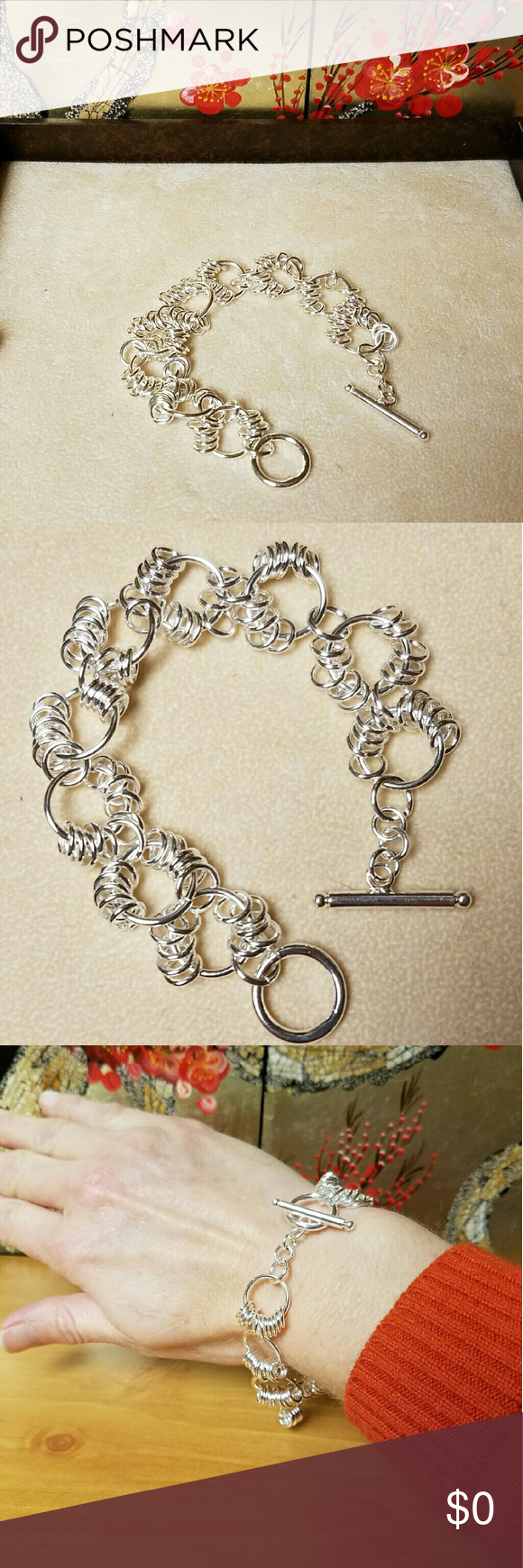 """FUN  & Unique Silver-toned Circle link Bracelet Silver-toned Circle link Bracelet w/ Toggle Clasp. There is a small amount of weight to it. Very fun & unique. Has a nice sound to it as all the small rings slide around.  Length: 8"""" Would be a great addition to a bundle. Jewelry Bracelets"""