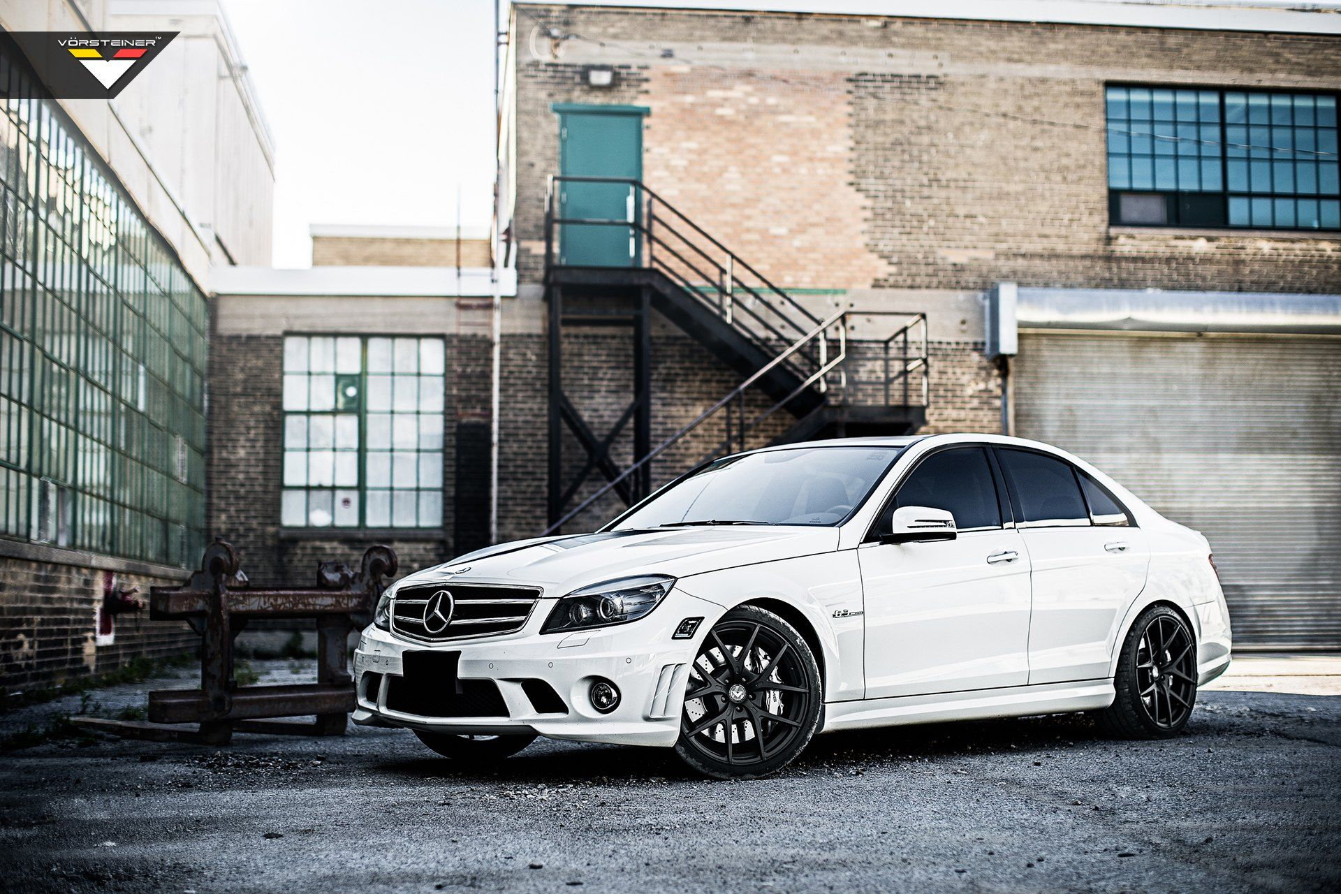 White Mercedes C Class Gets A Distinctive Appearance With Custom