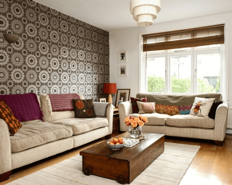 Wohnzimmer Einrichten Nach Feng Shui Für Langgestreckten Raum Mit Couch  Leinen Polster Teppich Fenster Tapete Bunt