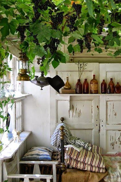 Sous la vigne