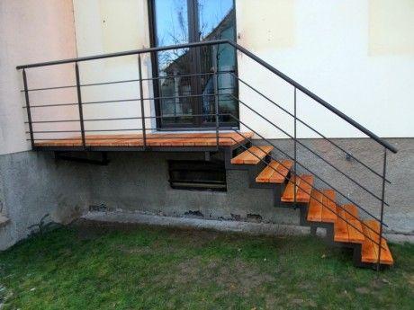 escalier + passerelle pour acces jardin | Black-and-white | Escalier ...