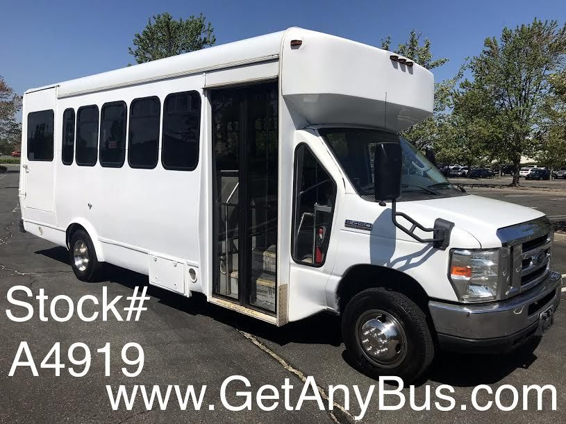2008 Ford E 450 18 Passenger Plus Driver And Up To 2 Wheelchair
